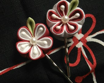Red and White Japanese Apricot Blossom Bobby Pin (Sold as Pairs) / Tsumami Kanzashi / Geisha Inspired Floral Hairpin
