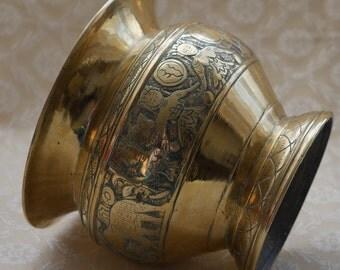 Vintage Brass Planter, Ornate Brass Pot, Engraved Brass, Elephant Gifts, Brass Plant Pot, Native Figures, Home Decor, Solid Indian Brass