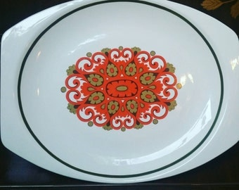 1971 J & G Meakin Studio Madrid pattern by Jessie Tait serving plate / platter