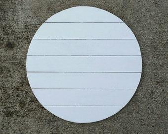 Customizable wood monogram round