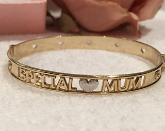 """Superb Quality Vintage ENGLISH-Rolled Gold Bangle-Front Says """"SPECIAL MUM""""-Silver Heart in the Centre-Excellent Condition"""