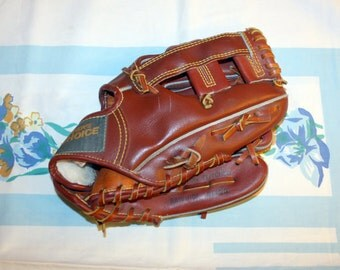 Winners Choice Brand Baseball glove, 1980s