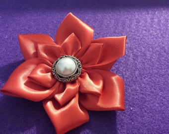 Women's flower Brooch (only 2 available, yellow and black with gray)