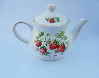 Vintage handmade candle - Teapot - Strawberries and Cream scented