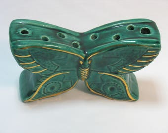 Butterfly flowers ceramic object vintage pique.