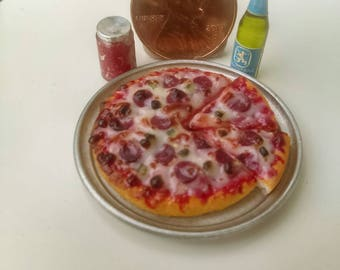 Dollhouse Miniature Pepperoni Pizza by CSpykersMiniaturesUs