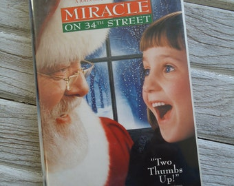 Miracle on 34th street vintage VHS - Christmas decor - Miracle on 34th Street movie - Christmas gift - Mara Wilson - Old Christmas Movie
