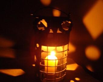 Vintage Owl Lantern - Small Kerosene Lamp - Vintage Halloween - Tea light holder - Metal candle lantern - Owl Lantern - Owl Kerosene lantern