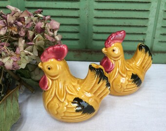 Vintage Ceramic Gold Chicken Salt and Pepper Shakers, Mid Century Salt and Pepper