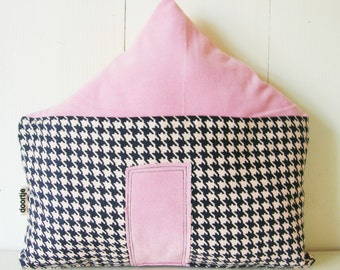 Pillow cottage
