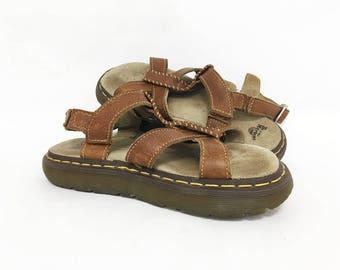 Dr Martens Sandals Women 7 / Doc Martens Brown Leather Platform Sandals / Chunky Sandals Women Size 7