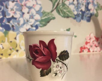 Vintage pretty sandland ware egg cup