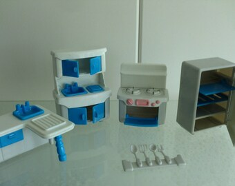 Vintage dolls house meubilar plastic blue white poppenhuis meubilair kunststof meubeltjes