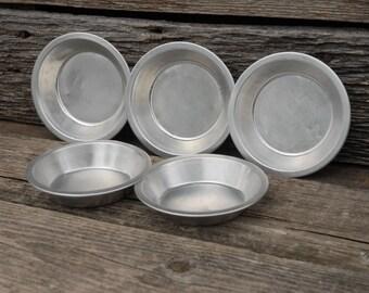 Vintage Set of 5 Aluminum Pie Tins/ Vintage Pie Pans