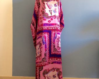 Wonderful Silk Kaftan Versace collection Pink Purple