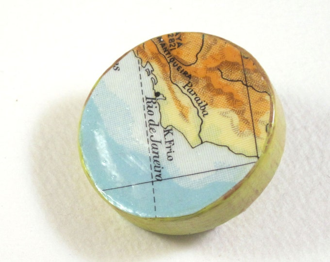 World map pin broche