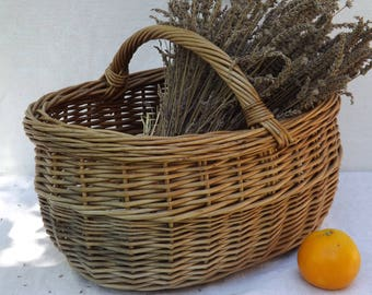 Wicker basket braided old/French country house