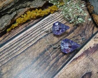 Resin lilac earring/earrings in a diamond shape with silver metal Flake (185)-resin