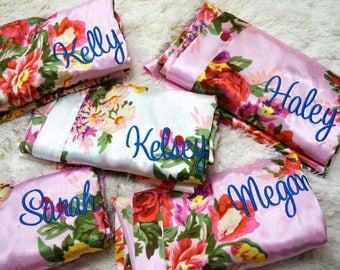 SET of 2, 3, 4, 5, 6, 7, 8, 9 Bridesmaid robes, Bridal party gift,  satin floral robe, monogram robe, bridesmaids gift, Flower Gift Robe