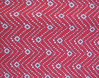 Red Calico Sewing Fabric 1940's or 1950's Christmas Valentines Quilting Crafts 1 yard x 44""