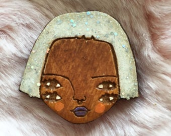 Wooden Illustrated Art Badge Brooch PEARL GLITTER
