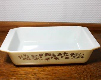 Vintage Pyrex Golden Acorn pattern - Space Saver Casserole Dish - 2 quart - 575