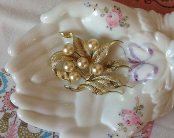 Vintage Gold Tone and Faux Pearl Leaf Design Brooch Signed Emmons