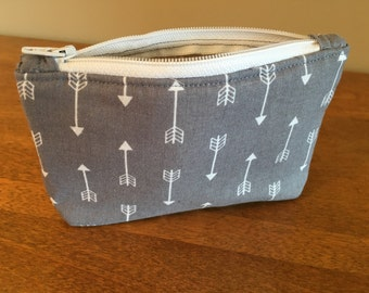 Zipper bag// Zippered tote// Zipper pouch// Organizer// Diaper bag pouch// Arrows// Mini bag