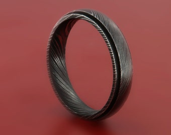 Damascus Steel Ring (Wood Grain Finish, 5 Millimeter Width) with a Raised Center