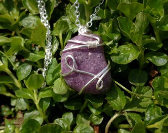 Lepidolite pendant, lepidolite necklace, tumbled Lepidolite necklace, lithium stone necklace, healing anti-anxiety necklace, mica necklace