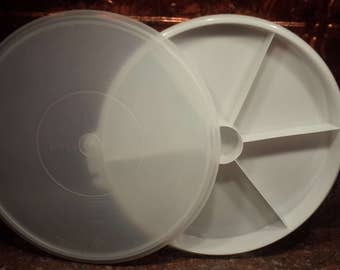 Tupperware round divided tray with lid 405-1 with lid