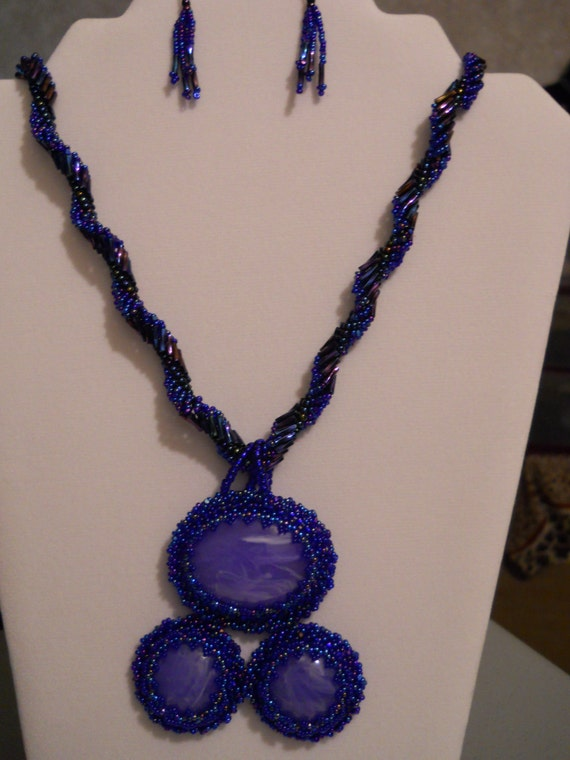BEZELED MARBLED CABOCHON Necklace w/ Earrings and Silver Plated Clasp