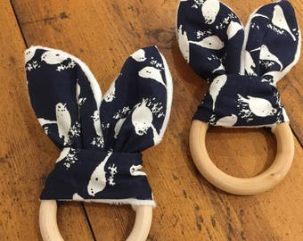 New Natural Wood Crinkle Sound Bunny Ears Teething Ring Toy, Navy and White Birds