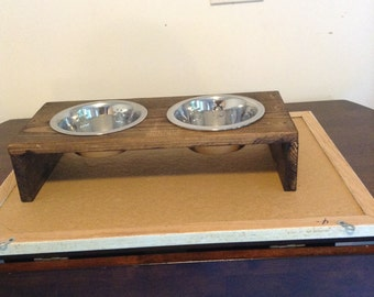 Small wood dog bowl holder made out of pine