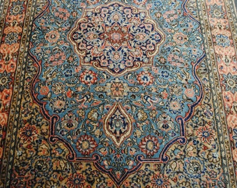 Authentic Persian rug pastel size 204cmx136cm.