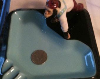 Vintage Ashtray Curling Monkey - Japan H22818