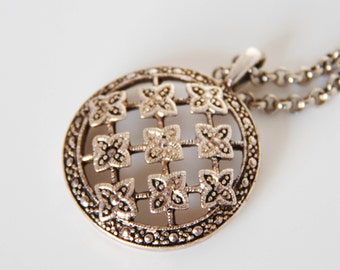 REDUCED Vintage Locket Pendant