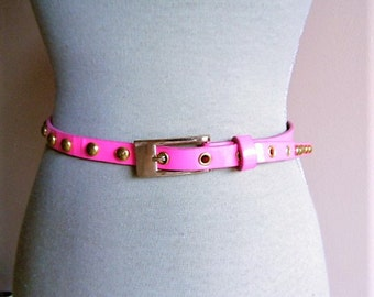 Belt of the 1980s s pink Fuschia belt 1980s pink Fushia / silver round nails / 1980 s Belt pink Fuchsia with silver round nails