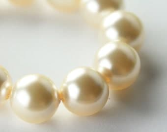 Swarovski® 5811 16.0 mm White Pearl 650