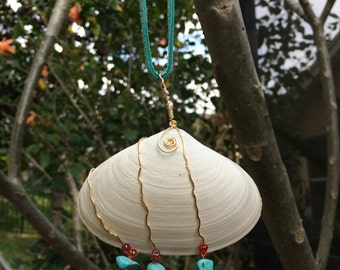 wire wrapped sea shell for your car