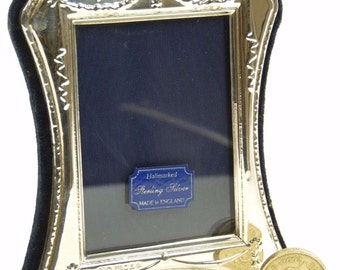 "Vintage Sterling Silver - Photo / Picture FRAME - 2 1/2"" x 2"" - SF57"