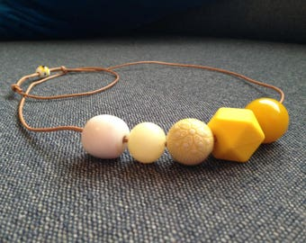 Shades of Yellow to White // Beaded Necklace on Leather