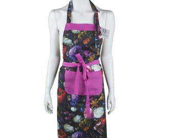 Apron allover flower bouquet