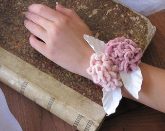 Wedding bride Bridemaid prom wrist corsage bracelet hand floral homecoming