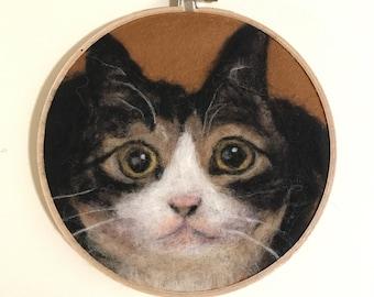 """Cat in Needle Felted Wool Painting / 6"""" Hoop"""