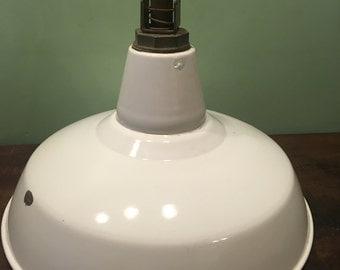 Industrial enamel light fixture