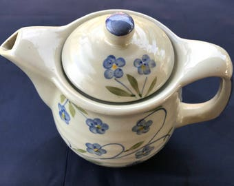 Pottery Tea pot With Strainer