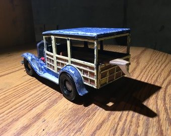 Hubley vintage toy 34 ford station wagon surfing