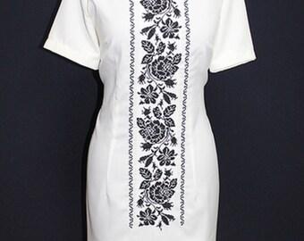 Women's embroidered dress Ethnic Ukraine
