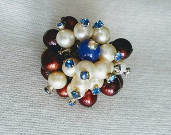 "Pearl sterling cluster ring, red, white and blue freshwater pearls, fits approx 6.5-8"".  DL#161"
